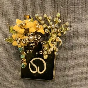 BEAUTIFUL ST. JOHN BROOCH